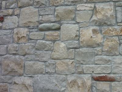 Lavorazione pietra di credaro con bocce e mattoni for Rivestimento in mattoni per case