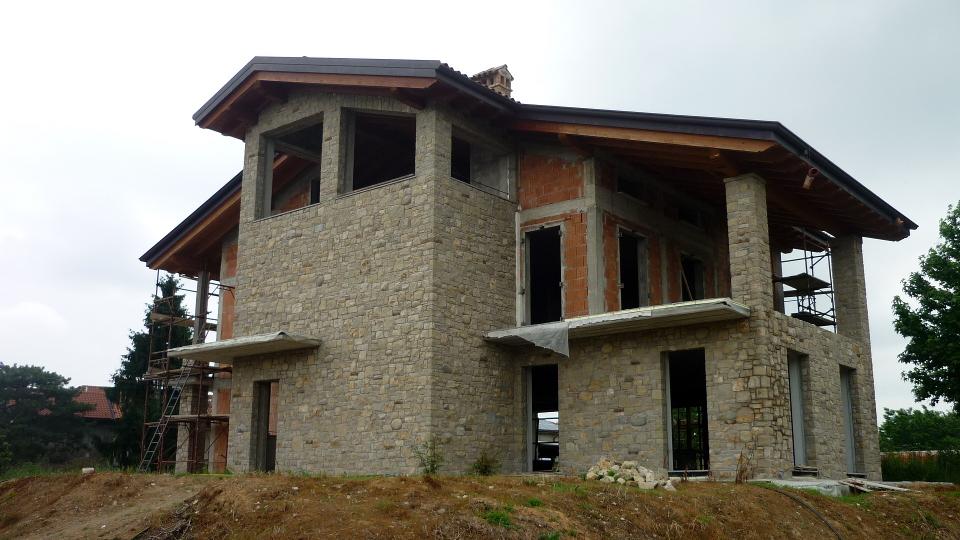 Lavorazione pietra di credaro con bocce e mattoni for Case di mattoni ranch