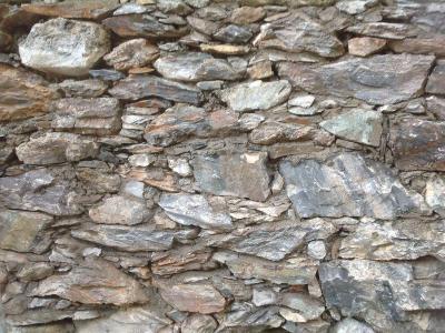 Lavorazione pietre rustiche artigiani pietra credaro for Case rustiche di montagna
