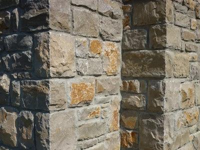 Lavorazione pilastri in pietra di credaro artigiani for Costo per costruire pilastri di pietra