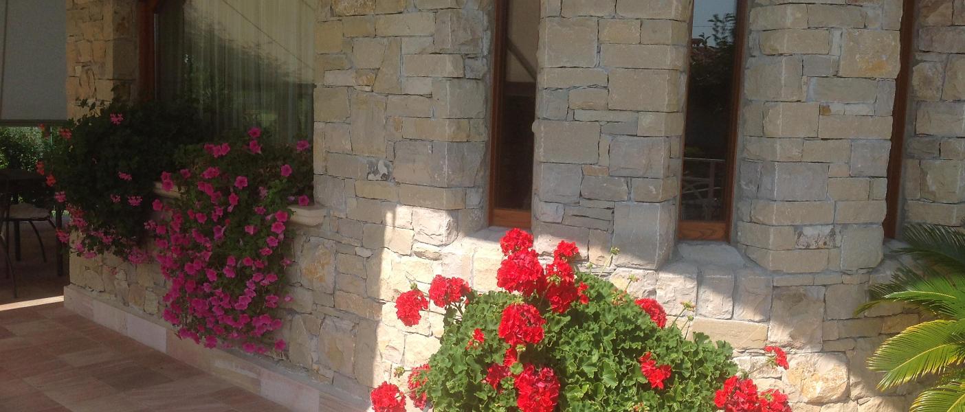 Lavorazioni pietra di credaro e pietre naturali for Pietra di credaro rivestimenti