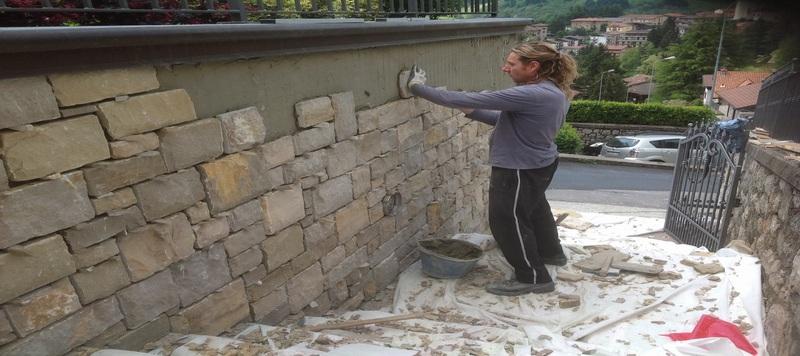 Gallery rivestimenti in pietra naturale e pietra di for Pietra di credaro rivestimenti